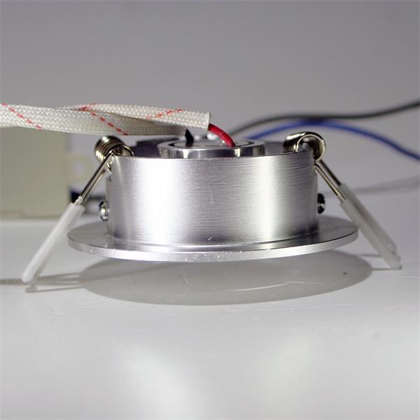 Einbaulampe LED mit nur 53mm Einbaudurchmesser und stabilen Halteklammern
