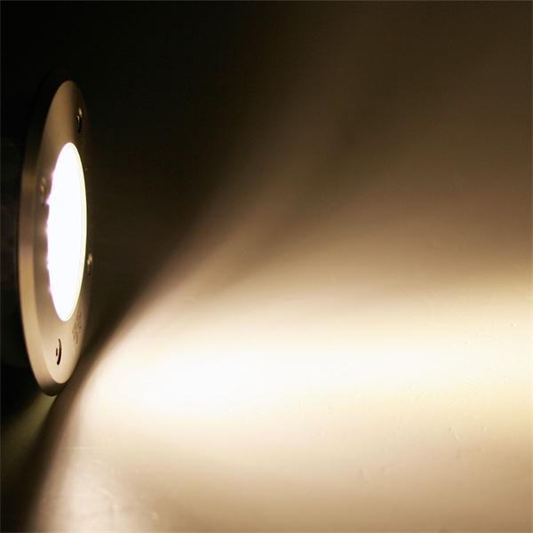 230V LED Bodeneinbaustrahler mit 15 warm-weißen LEDs und 60lm Lichtstrom