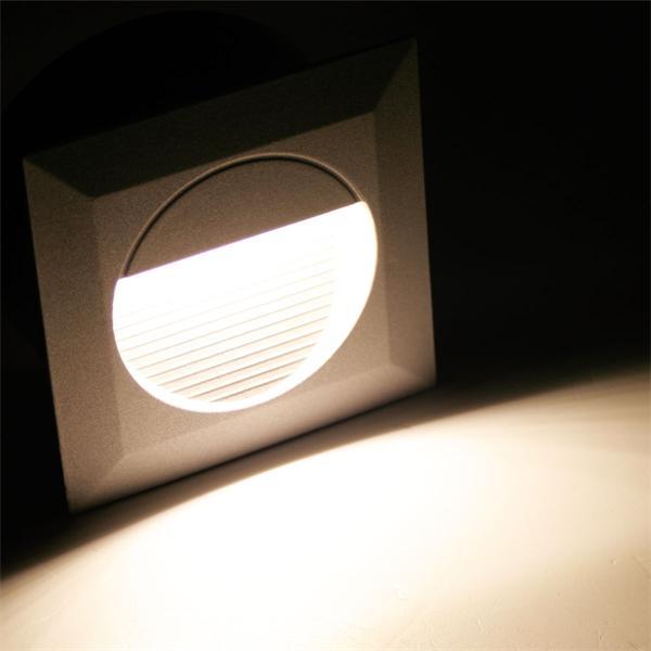 LED Wandeinbaustrahler mit 14 LEDs und ca. 18lm Lichtstro