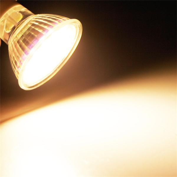 GU10 LED Spot mit hellen 370lm Lichtstrom vergleichbar mit 40W-50W Halogenspiegellampen