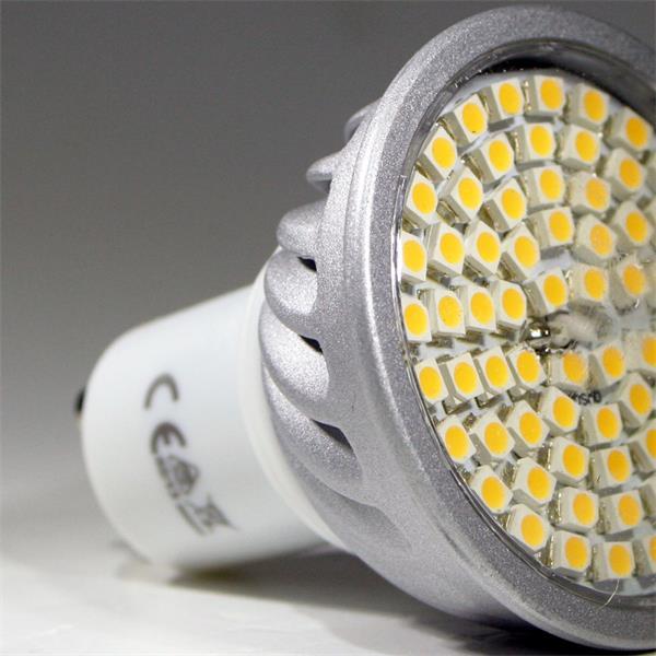 LED Leuchtmittel GU10 in Halogenoptik mit 70x breitstrahlenden 3528 SMD LEDs