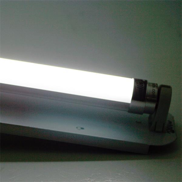 LED Röhrenlampe T8 mit 1900lm Lichtstrom und ca. 120-160° Abstrahlwinkel
