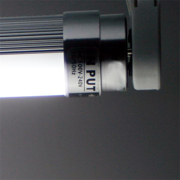 LED Leuchtröhre Sockel G13 für 230 V mit nur ca. 20W Verbrauch
