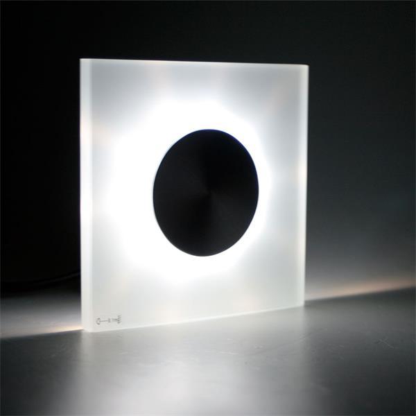 LED Leuchte mit kranzförmigen Lichtaustritt für interessante Effekt