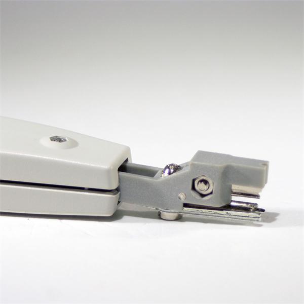 Anlegewerkzeug für den Anschluss einer Netzwerkdose oder Patchpanel