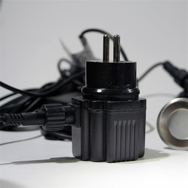 LED Leuchtmittel mit Steckernetzteil 230V und nur ca. 4,4W Verbrauch