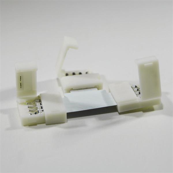 zum einfachen und lötfreien Verbinden von drei LED Strips