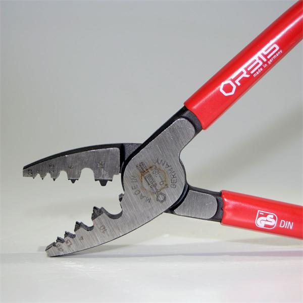Backen der Zange aus hochwertigem Spezial-Werkzeugstahl
