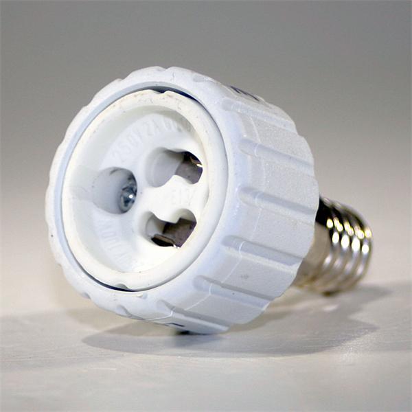 Konverter mit Keramiksockel passend für Leuchtmittel mit GU10 Sockel