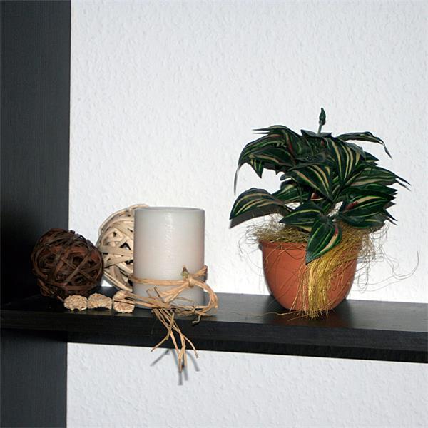 LED Stumpenkerze mit warmen und lebendigen Licht