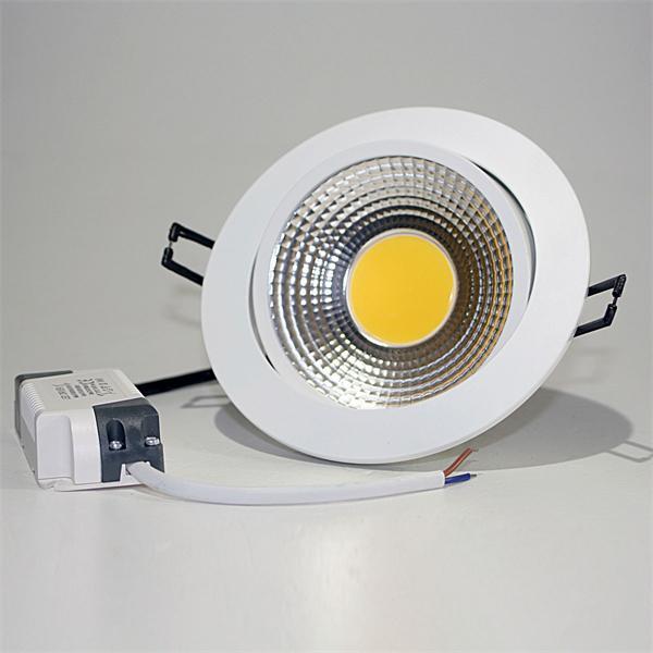 LED Einbauspot mit einer starken 10W Hochleistungs-COB-LED und verbautem LED-Trafo