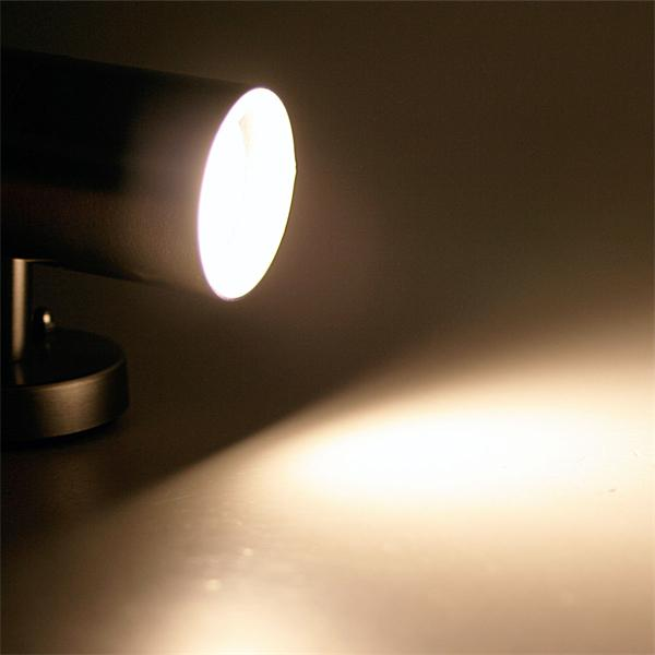 LED Spot-Leuchte mit warmweißer einseitiger Abstrahlung
