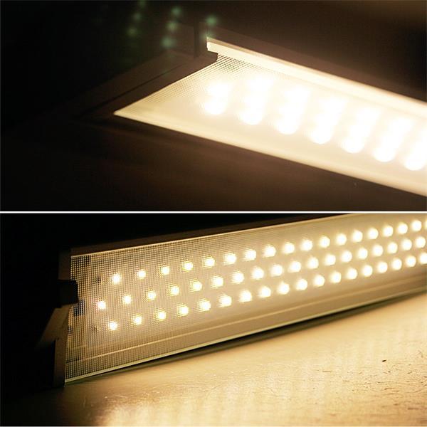LED Leuchte mit 60 SMD LEDs für helles warmweißes Licht