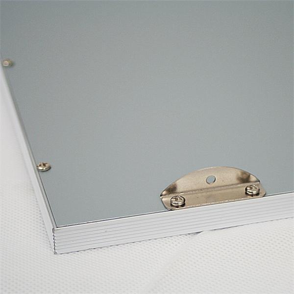 LED Innenraumleuchte zur Integration in bestehende Rasterdecken