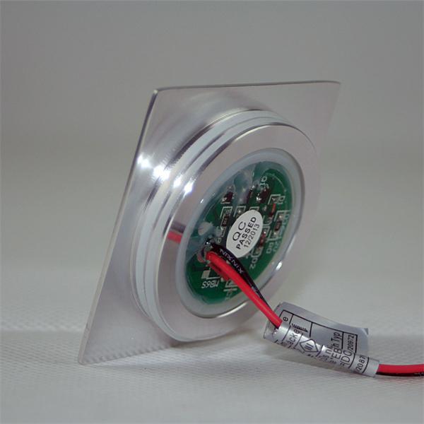 LED Leuchtmittel IP67 eckig in einem matten Aluminiumgehäuse