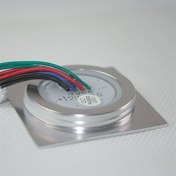 LED Einbauspot mit dem Maß ca. 55x55x12mm (LxBxT) und 50cm Anschlusskabel