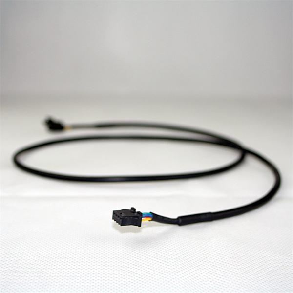 Kabel verlängert den Weg zwischen RGB Streifen und Controller um 1 Meter