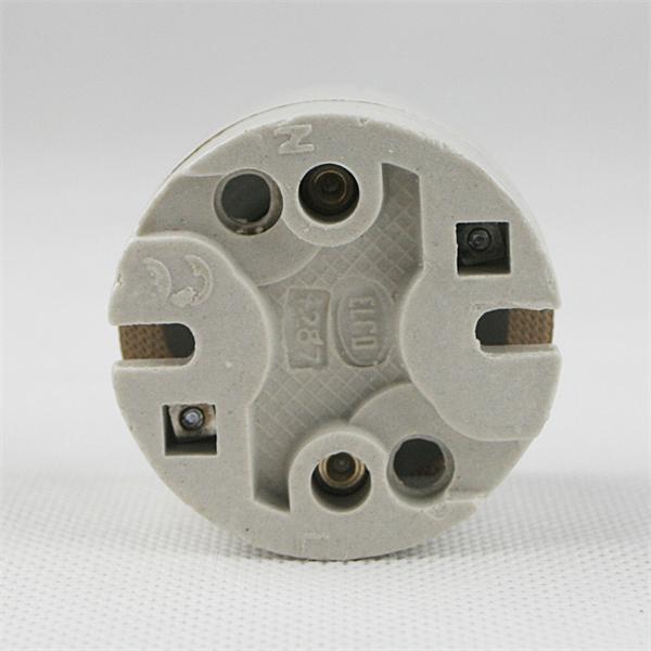 Porzellanfassung für E27 Leuchtmittel mit Befestigungslöcher