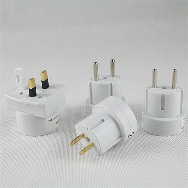 Set mit 4 Adaptern zum Anschließen von Geräten mit Eurostecker