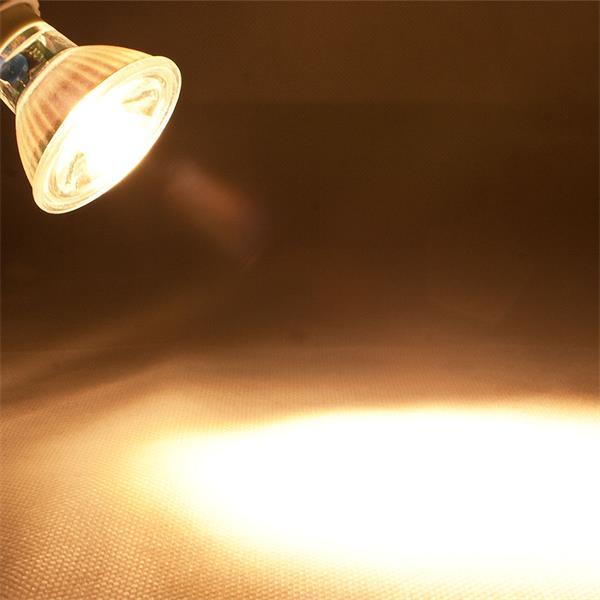 GU10 LED Spot mit 400lm Lichtstrom vergleichbar mit konventionellen 50W Strahlern