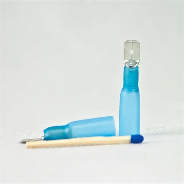 Flachstecker für Kabelnennquerschnitte von 1,5-2,5mm²,  AWG 16-14