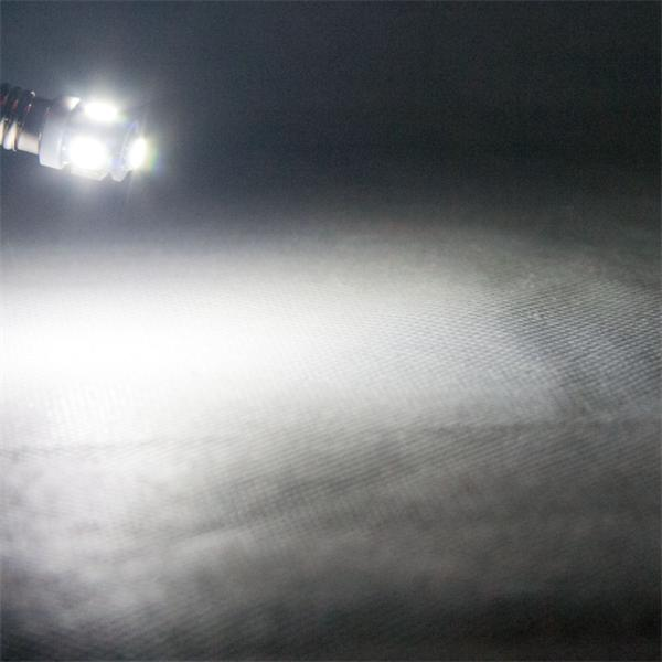 E10 LED Leuchte 12V DC mit 70lm Lichtstrom und unglaublichen 360° Leuchtwinkel