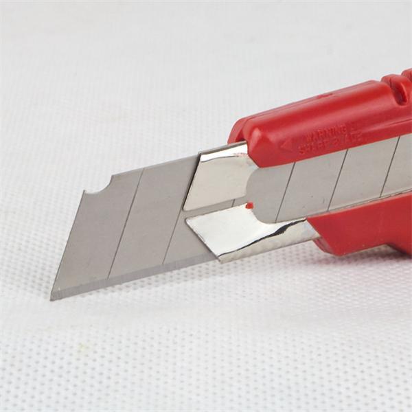 robustes Teppichmesser mit Klingenführung aus Metall
