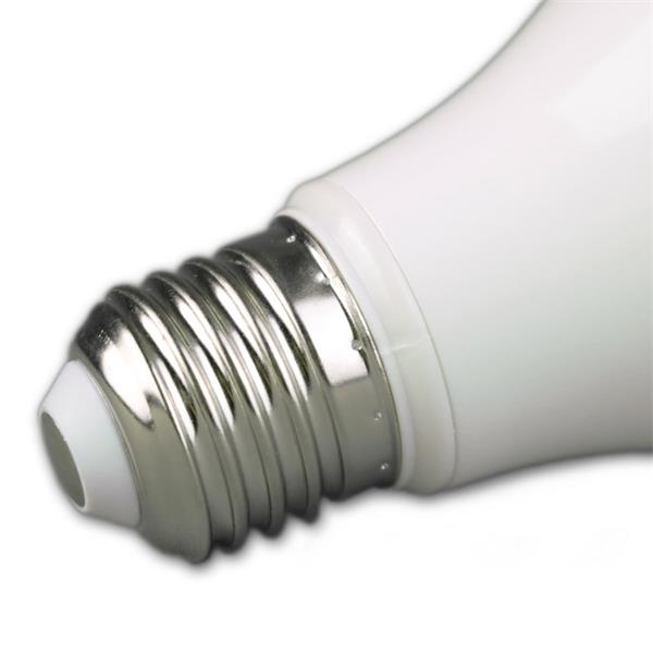 LED Glühbirne Sockel E27 für 230V mit nur ca. 7W Verbrauch