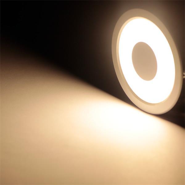 LED Einbauspot 12V mit 24x LEDs hinter einer opalfarbigen Abdeckung