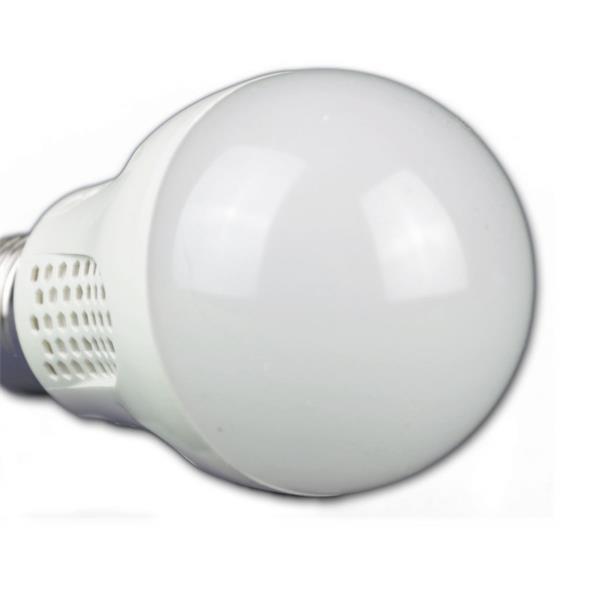 preiswertes LED Leuchtmittel im bruchsicheren Kunststoffgehäuse
