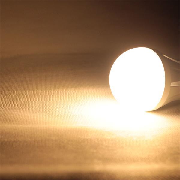 LED Leuchtmittel mit 800lm Lichtstrom und breiten 180° Abstrahlwinkel