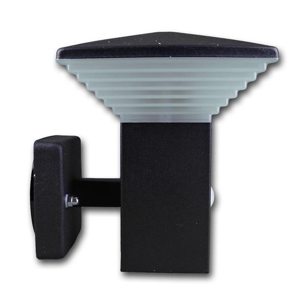 LED Wandstrahler mit integrierteren Bewegungsmelder und Tag - /Nachtsensor