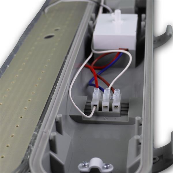 LED Gewerbe-Feuchtraumleuchte IP65 mit Halteclips