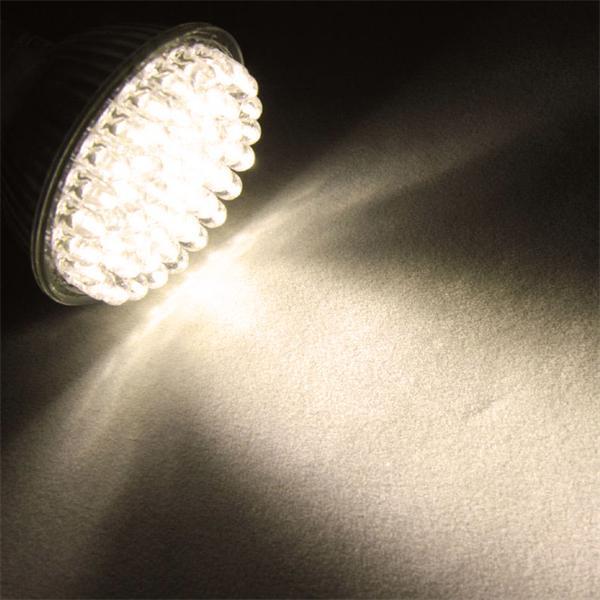 LED Leuchtmittel mit 132lm Lichtstrom und der Lichtfarbe warm weiß