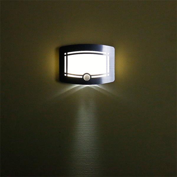 LED Leuchte mit satinierten Lichtaustritt für interessante Effekt