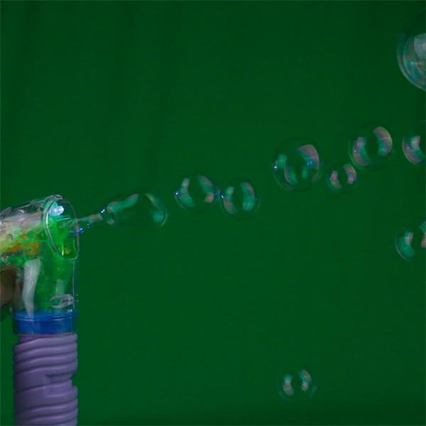 DER Partyspaß für Kindergeburtstage: Seifenblasen-Pistole mit LED