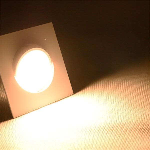 LED Einbaustrahler mit Lichtfarbe warm-weiß