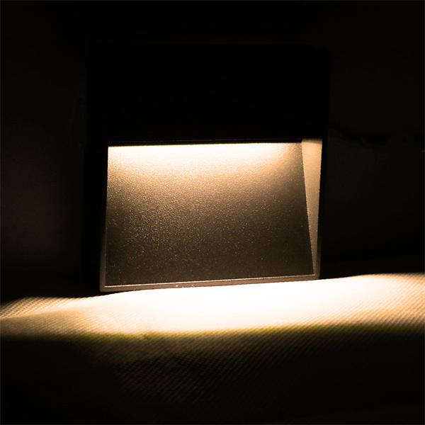 LED-Wandleuchte mit zeitlosen und minimalistischen Design