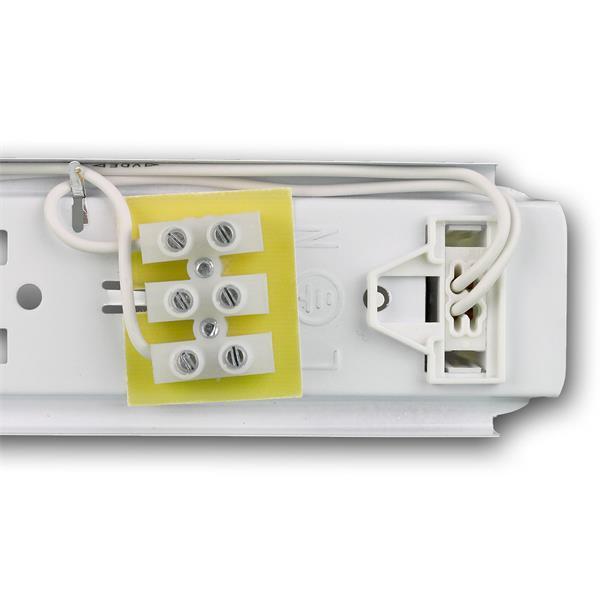 Feuchtraumleuchte LED mit einseitiger Kabeleinführung