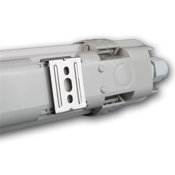 Gewerbe-Feuchtraumleuchte mit direktem Anschluss an das Stromnetz mit 230V