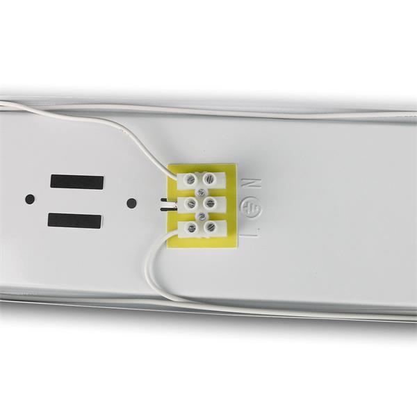 IP65 Industrieleuchte mit einseitiger Kabeleinführung