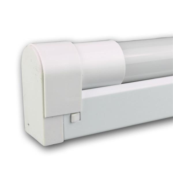 LED Deckenleuchte mit einer T8 LED Röhre
