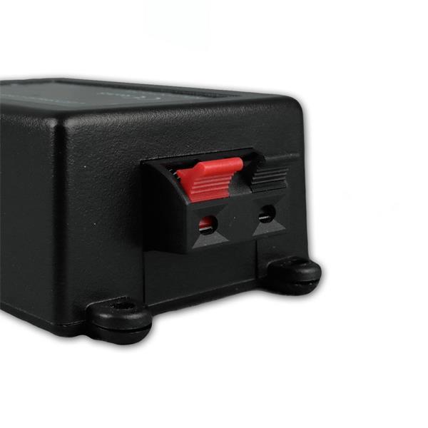 Dimmer wird zwischen Netzteil und LED Streifen angeschlossen