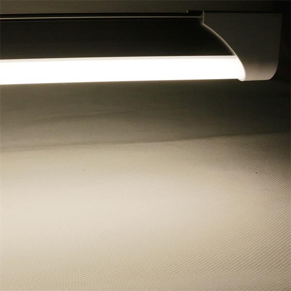 LED-Röhrenlampe T8 mit starken 850lm und neutral-weißer Leuchtfarbe