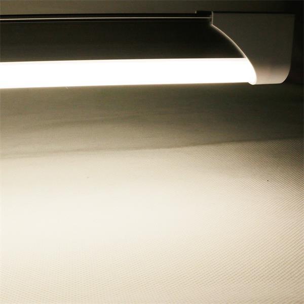 LED-Röhrenlampe T8 mit starken 1700lm und neutral-weißer Leuchtfarbe