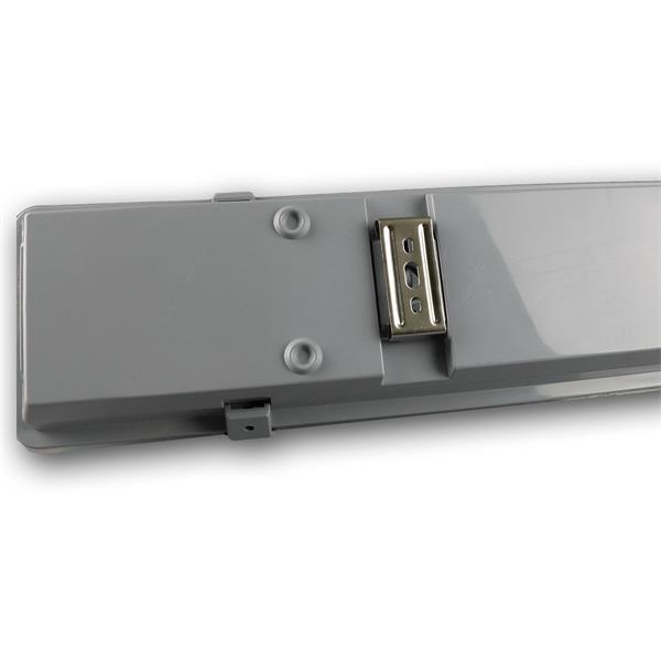 Industrieleuchte IP65 mit T8-LED Röhren und Edelstahl-Befestigungsclips