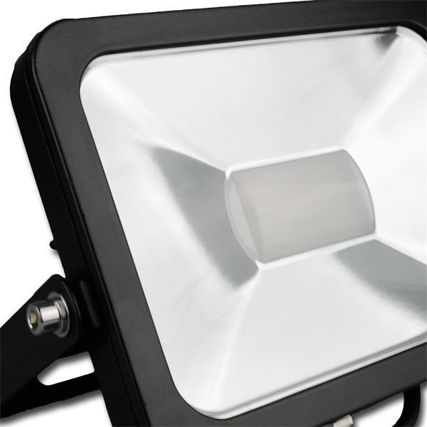 Flutlichtstrahler 30W in einem stossfestem schwarzen Aluminium-Gehäuse