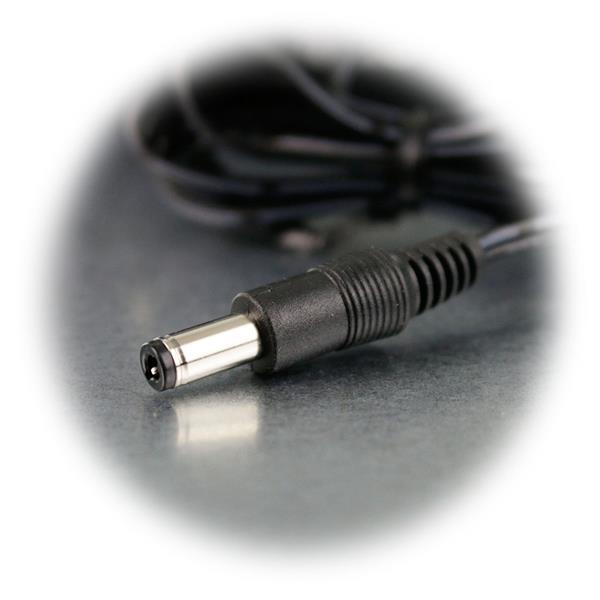 Verbraucheranschluss erfolgt über ein Koaxstecker 5,5/2,5mm