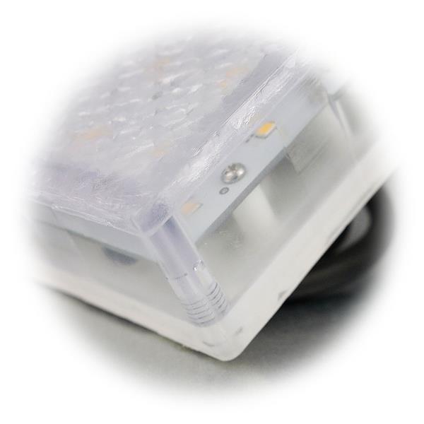 LED Pflasterleuchte mit dem Maß 80x80x68mm mit Bodeneinbauhülse
