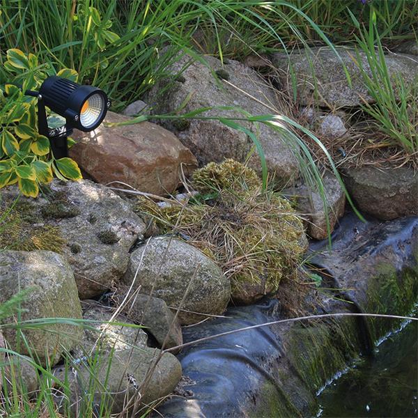 LED Außenstrahler als Gartenbeleuchtung, Teichstrahler oder Wegeleuchte